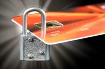Причины блокировки карточного счета и как себя вести, если эта неприятность случилась за границей?